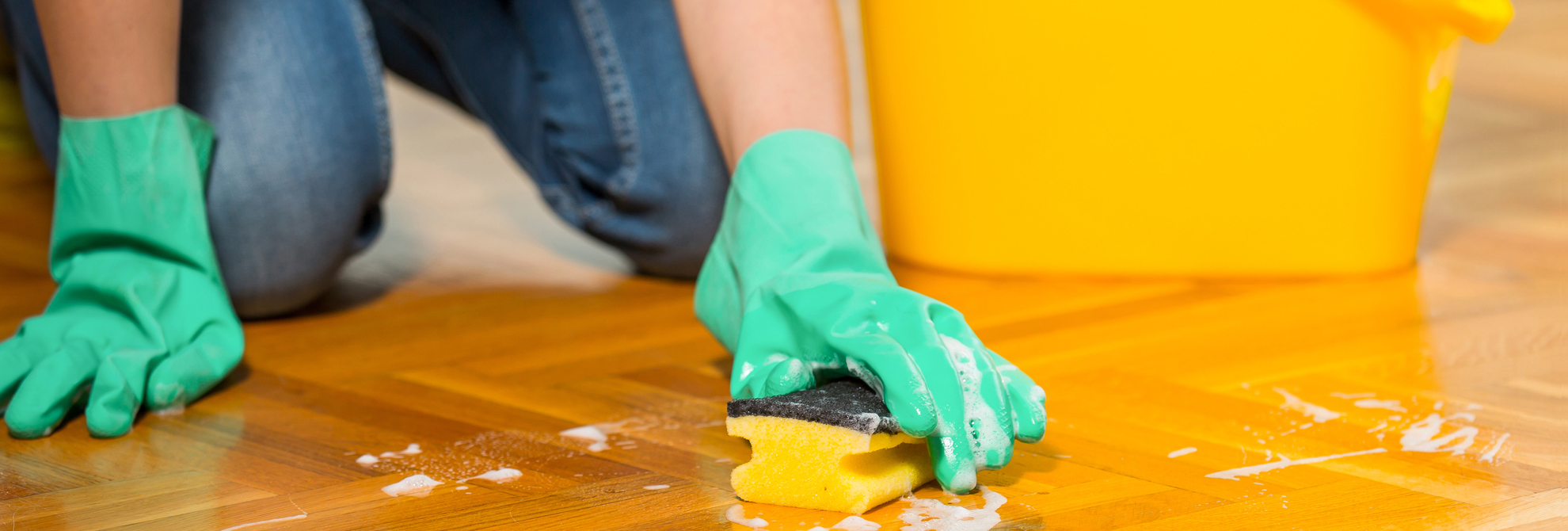 Consejos para no temer el momento de limpiar el parquet - Trucos para limpiar el parquet ...