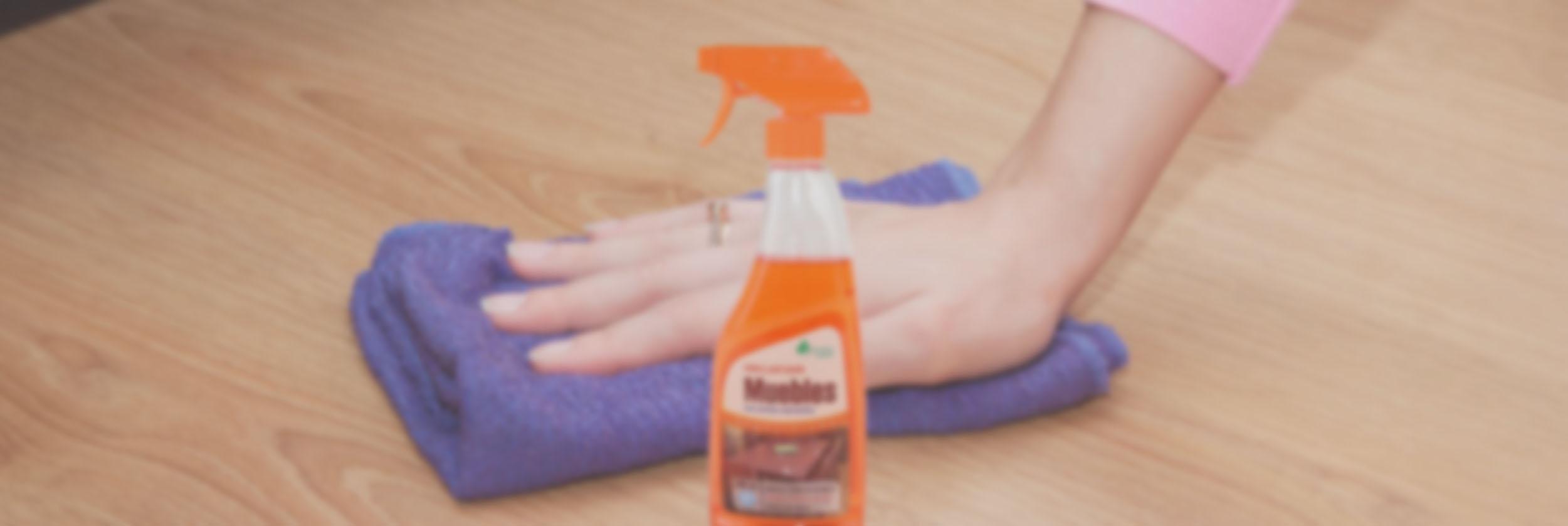Abrillantador de muebles bosque verde spb contigo for Productos para limpiar muebles